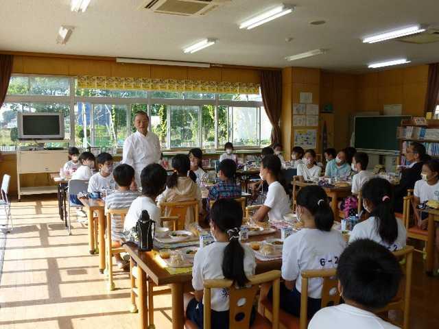 さいたま市立河合小学校 平成27年10月15日(木)地元シェフによる学校給食